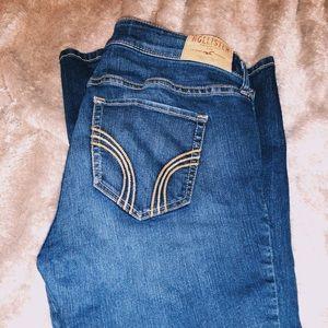 Hollister super skinny jeans!💁🏼♀️